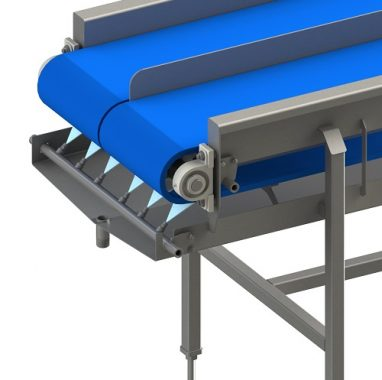 Clean in place conveyor cleans conveyor while running